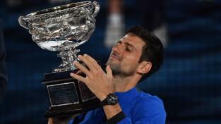 """Džokovičs sagrauj Nadalu un kļūst par septiņkārtēju """"Australian Open"""" čempionu"""