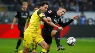 """""""Bayern"""" otrajā puslaikā ielaiž trīsreiz, uzvaru sērija pārtrūkst"""