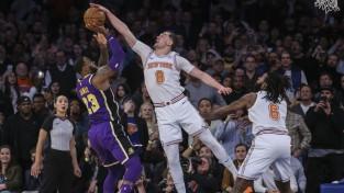 """""""Lakers"""" piedzīvo kaunu Ņujorkā, Adetokunbo 52 punkti neglābj """"Bucks"""""""