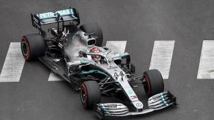 Hamiltonam niecīgs pārsvars Monako GP pirmajā treniņā