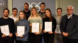 "15 sportisti saņem olimpiskās stipendijas ""Pekina 2022"""