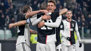 """""""Juventus"""" apspēlē """"Roma"""" un sasniedz Itālijas kausa pusfinālu"""