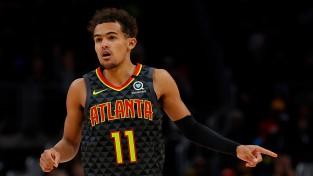 """""""Hawks"""" līderis Jangs pie amatieriem iemet 43 punktus, bet zaudē"""