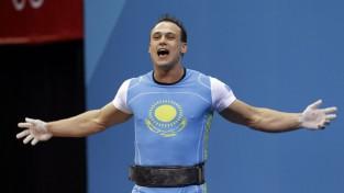 Karjeru beidz slavenais svarcēlājs, pasaules rekordists Iļjins