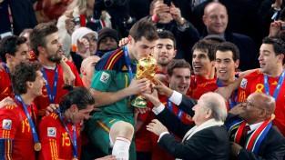 39 gadu vecumā karjeru noslēdz Spānijas futbola leģenda Kasiljass