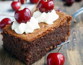 Ātrais šokolādes deserts