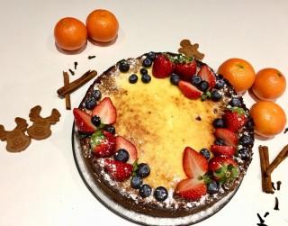 Ziemassvētku piparkūku un mandarīnu kūka ar kanēli