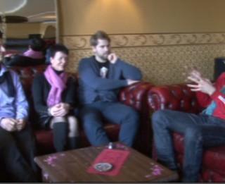 """Video: """"Mūsu skatītāji ir karaliski"""":sarunas par galveno Karaliskajā Improvizācijas teātrī"""