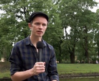 """Video: Renārs Kaupers  par Bruknu un labdarības lielkoncertu """"Uzcel savu baznīcu!"""""""