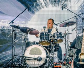Video: Guntars Račs pārceļ koncertu un piedāvā jaunu dziesmu