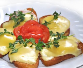 Pannā ceptas karstās siermaizītes