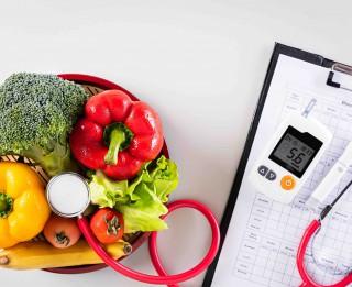 Diabēts – mūsdienu dzīvesstila slimība. Kas par to jāzina un kā sevi pasargāt?