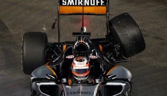 """Foto: Singapūras F1 sacīkstē dominē """"Ferrari"""" un """"Red Bull"""" piloti"""