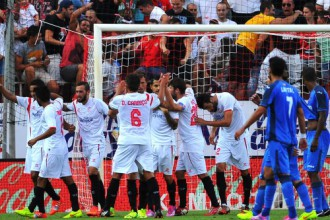 """""""Sevilla"""" un """"Valencia"""" pēc savstarpēja neizšķirta uz uzvaru takas"""