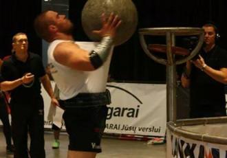 Foto: Spēkavīrs Šmaukstelis uzvar Eiropas čempionātā amatieriem