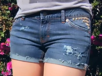 Video: Videopamācība: Kā novalkātus džinsus pārvērst seksīgos šortos