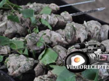 Video: Videorecepte- šašliks klasiskā marinādē
