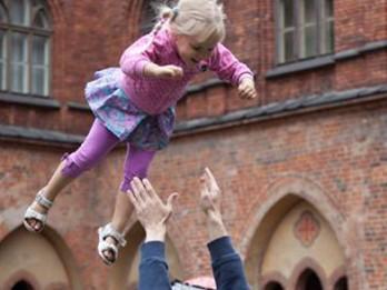 """""""Doms bērniem 2017"""" aicina ciemos bērnus un viņu vecākus"""