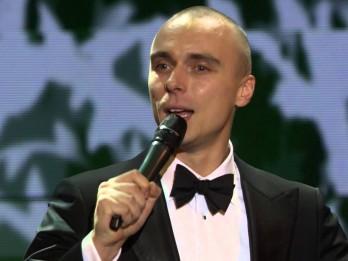 Video: Donam jauna Ziemassvētku dziesma ZELTA KAMANAS