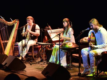 Pirmo reizi Latvijā skanēs elfu mūzika ķeltu arfas un multiinstrumentālista Alizbar vadībā