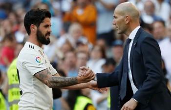 """Madrides """"Real"""" uzvar Zidāna atgriešanās mačā ar diviem vārtiem otrajā puslaikā"""