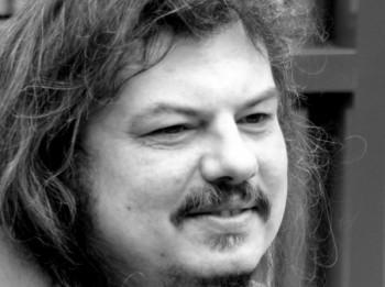 Sēru nakts Latvijā-  miris dziedātājs Niks Matvejevs