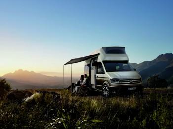 Auto pieredzējušiem ceļotājiem - Volkswagen California XXL ar augsto jumtu, virtuvi un vannasistabu