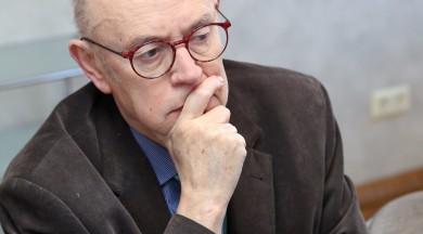 Rīgā viesojās beļgu rakstnieks Žaks De Dekērs
