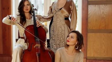 """Trio """"Art-i-Shock"""" Ziemassvētku festivālā aicina uz koncertu """"Krāsainie Ziemassvētki"""""""