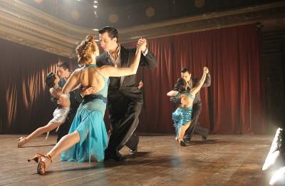 """Pusgadsimtu ilga attiecību spriedze filmā """"Mūsu pēdējais tango"""""""