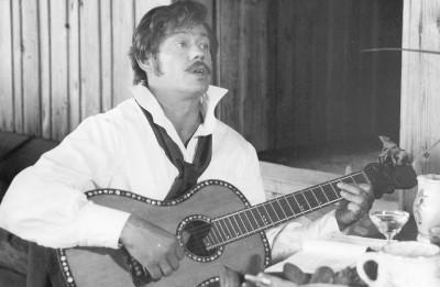 Miris leģendārais krievu aktieris Nikolajs Karačencovs