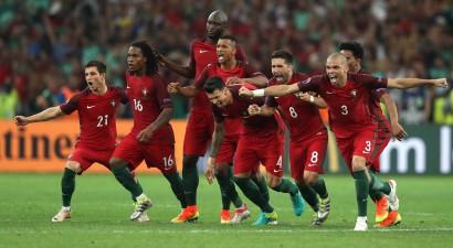 Portugāle <i>pendelēs</i> pārspēj Poliju un pirmā sasniedz pusfinālu