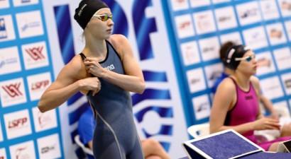 Ņikitina trīs reizes uzlabo valsts rekordu peldēšanā