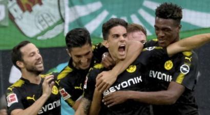 Dortmunde sāk sezonu ar pārliecinošu uzvaru