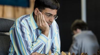 Titulētie Anands un Kārlsens kļūst par pasaules čempioniem ātrspēlē un ātrajā šahā