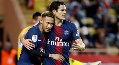 """Kavani """"hat-trick"""" pret neveiksmīgo """"Monaco"""", PSG tuvākās konkurentes zaudē punktus"""