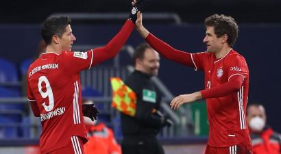 "Milleram divi vārti, ""Bayern"" sagrauj pastarīti ""Schalke"""