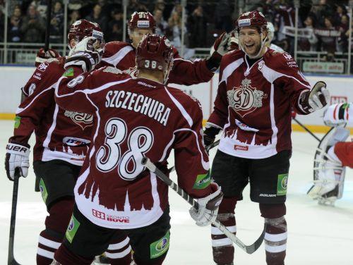 """Šehuras vārti un <i>bullītis</i> dod """"Dinamo"""" astoto uzvaru pēc kārtas"""
