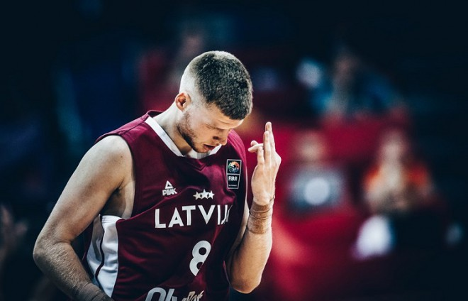 """Dāvis Bertāns: """"Vēlos spēlēt Latvijas izlasē, taču nevaru riskēt bez apdrošināšanas"""""""