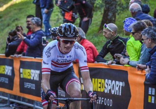 """Neilands piedalās atrāvienā un finišē 79.vietā """"Giro d'Italia"""" posmā"""