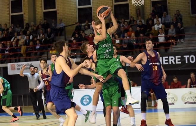 """Artūrs Žagars 17 gadu vecumā debitē ACB līgā, Kurucam uzvara """"El Clasico"""""""