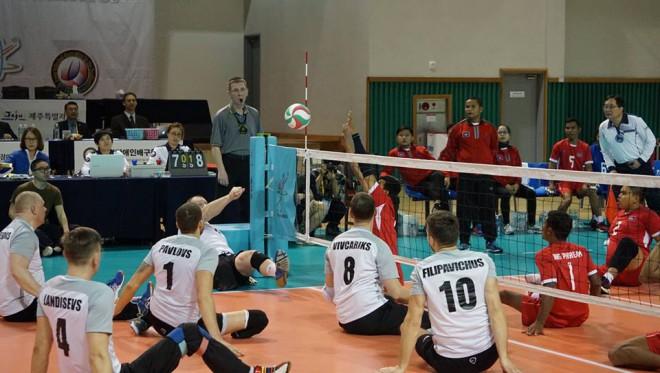 Latvijas sēdvolejbola izlase sasniedz PČ kvalifikācijas turnīra pusfinālu