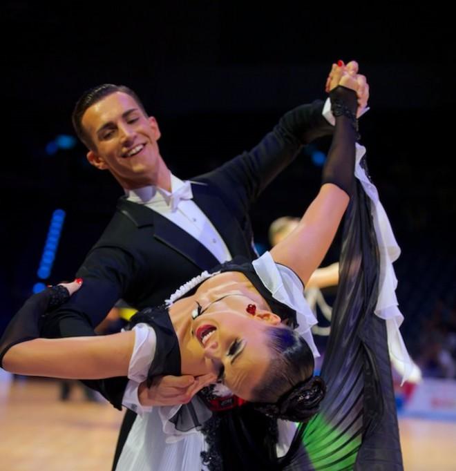 """Latvija pirmo reizi finālā """"Grand Slam"""" turnīrā sporta dejās"""
