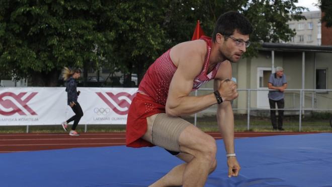 Trīssoļlēcējs Misāns un kārtslēcējs Ārents netiek Eiropas čempionāta finālā