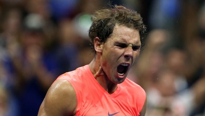 """Nadals """"izdzīvo"""" gandrīz 4,5 stundas ilgā mačā pret Hačanovu"""
