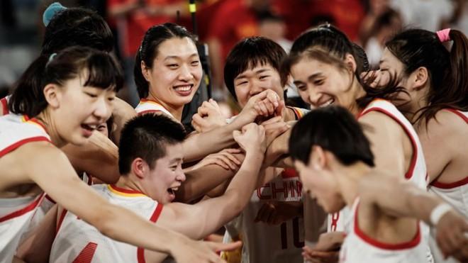 """Nāvējošā Ķīna pēc septiņu gadu pārtraukuma uzvar Japānu un sasniedz """"Top 8"""""""