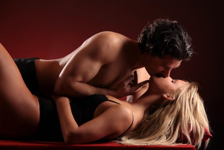 Pilns ķermeņa orgasms un 7 sievietes orgasma veidi