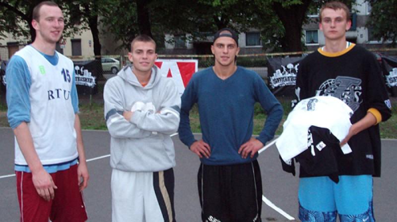 """""""Ghetto basket"""" vecākajā grupā uzvarēja """"Daiņa kliķis"""" Foto: Dace Zariņa (""""Avantis"""")"""