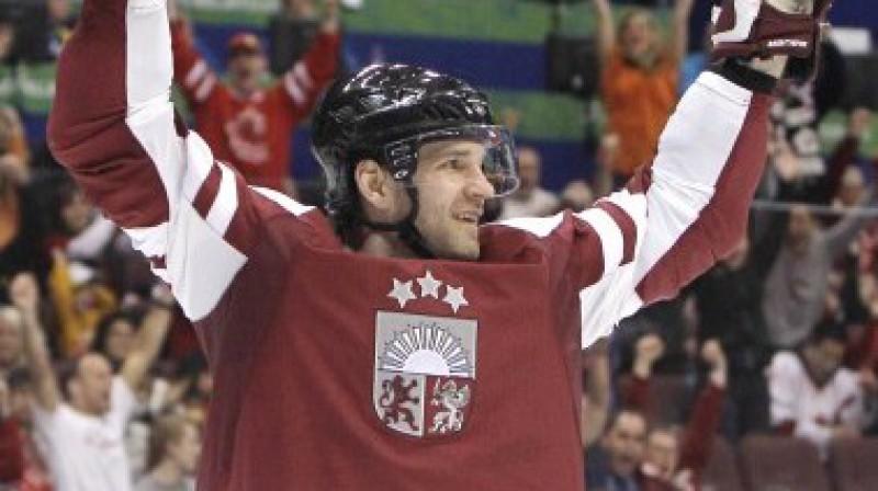 Ģirts Ankipāns ar diviem vārtu guvumiem dala astoto vietu. Viņam līdzās hokeja superzvaigznes Foto: AP/AFP/Scanpix