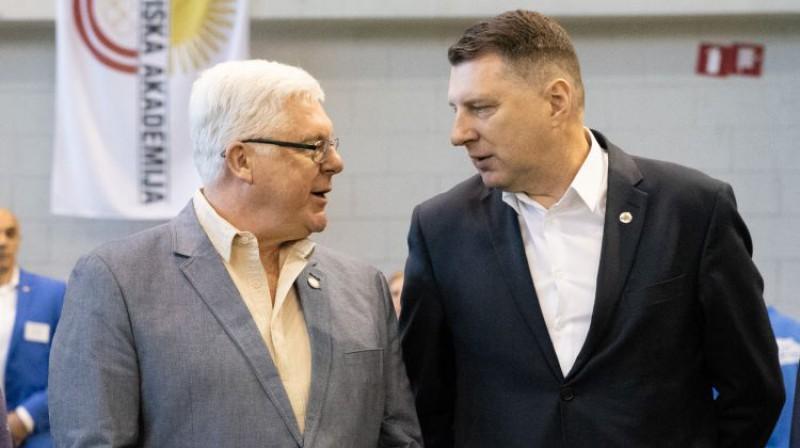 Aldons Vrubļevskis un Latvijas prezidents Raimonds Vējonis. Foto: Vladislavs Proškins/F64